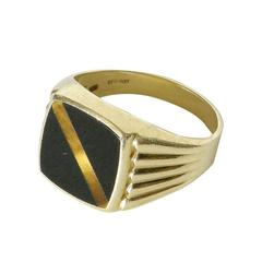 14K Gold Signet Style Ring