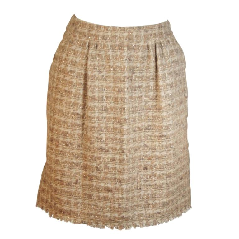CHANEL Nude Tweed Knee Length Skirt with Brown Metallic Detail Size 6-8 1