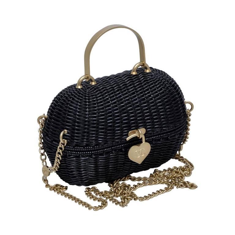 Chanel Black Straw Heart  Closure  Handbag  Mint   Vintage For Sale