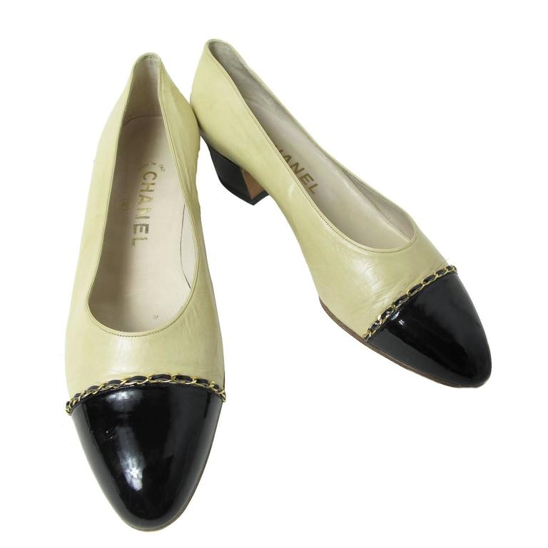 Chanel Beige Leather and Black Patent Leather Shoes with Chain Detail