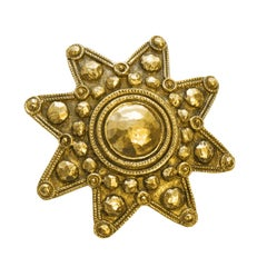 1990's Chanel Gold 8 Point Star Pin