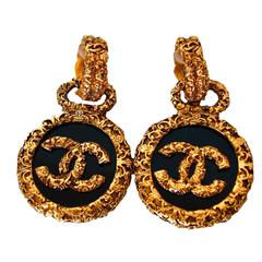 90s Chanel Baroque Medallion Earrings Gold Black CC Logo Dangle Clip with Box