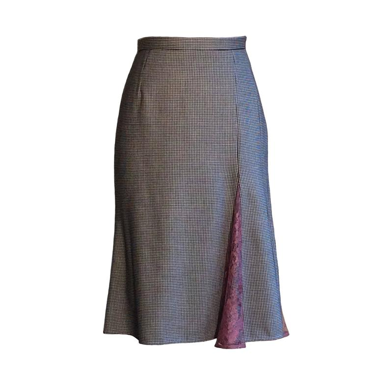 Dolce & Gabbana Black and White Houndstooth Pencil Skirt with Mauve Lace Accents 1