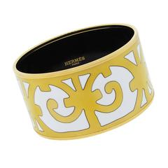 Hermes Gold Tone/White Extra Wide Enamel T Stamp Bangle Bracelet