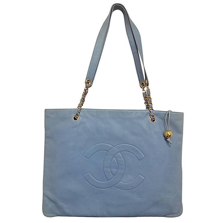 Vintage CHANEL massive pae blue calf leather chain shoulder tote bag