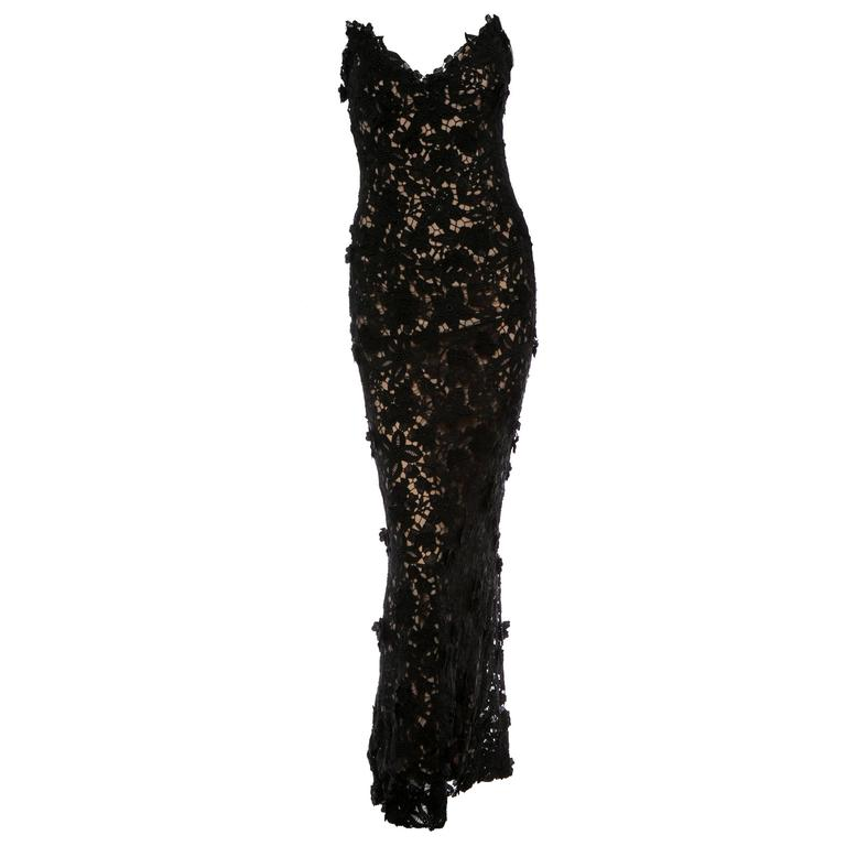 Best Met Ball dress of all time Oscar de la Renta black lace gown  For Sale