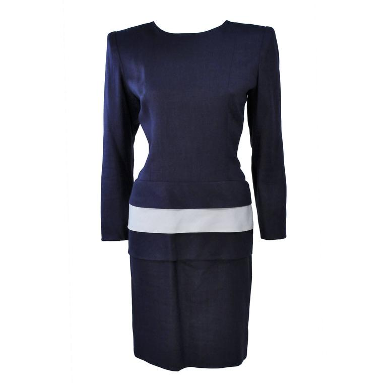 6ee31d5d40 GIVENCHY COUTURE Navy Linen Color Block Dress with Bow Size 6 For Sale at  1stdibs