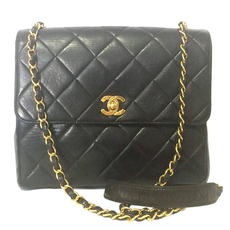 Vintage CHANEL black lamb leather 2.55 classic square shape shoulder bag with cc