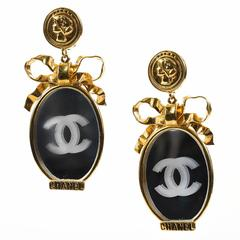 Vintage Chanel Gold Tone Mirror 'CC' Bow Oversized Clip On Statement Earrings