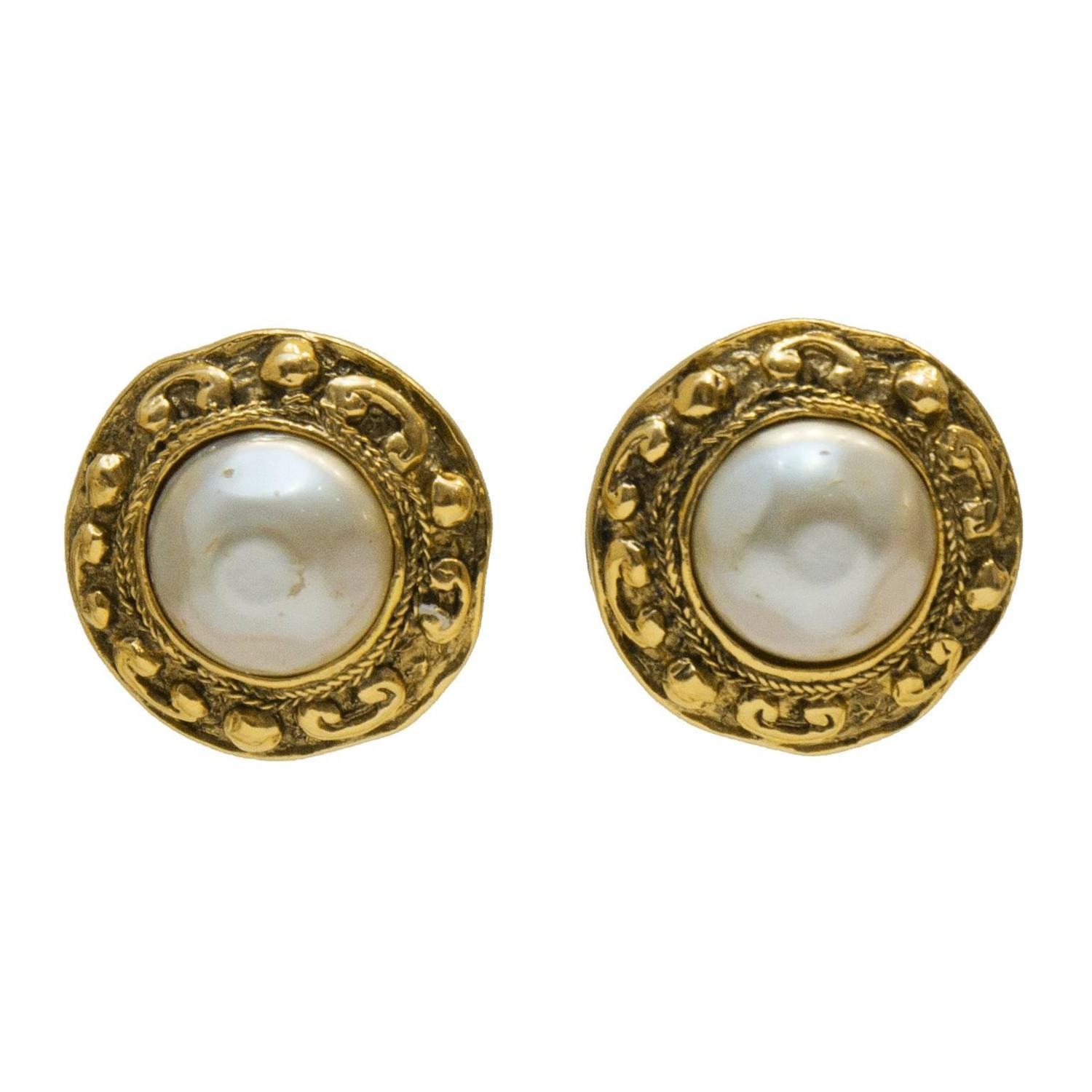 1980 s chanel pearl centre earring with nugget motif for