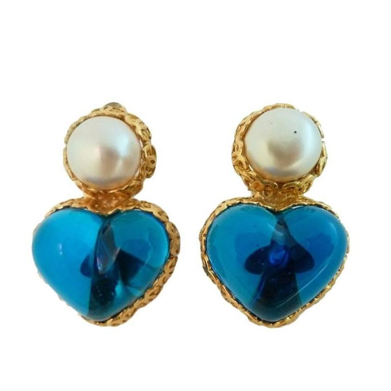 Vintage Chanel 28 Gripoix Glass Heart Earrings For Sale