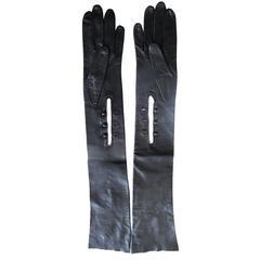 New Akris of Paris 1960 Black Three Button Leather Evening Gloves