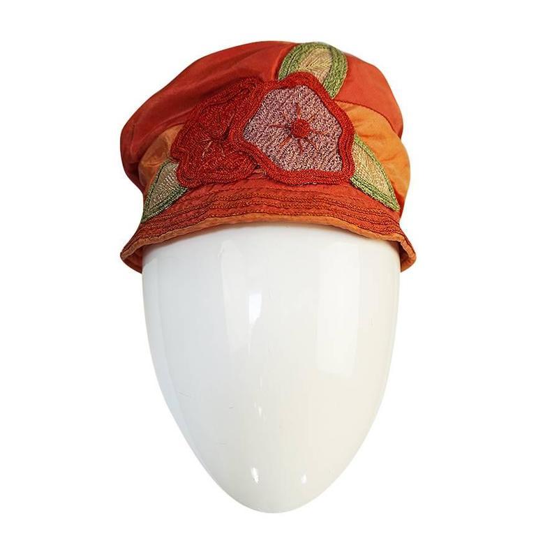 1920s Peach & Coral Silk Floral Applique Flapper Cloche Hat 1
