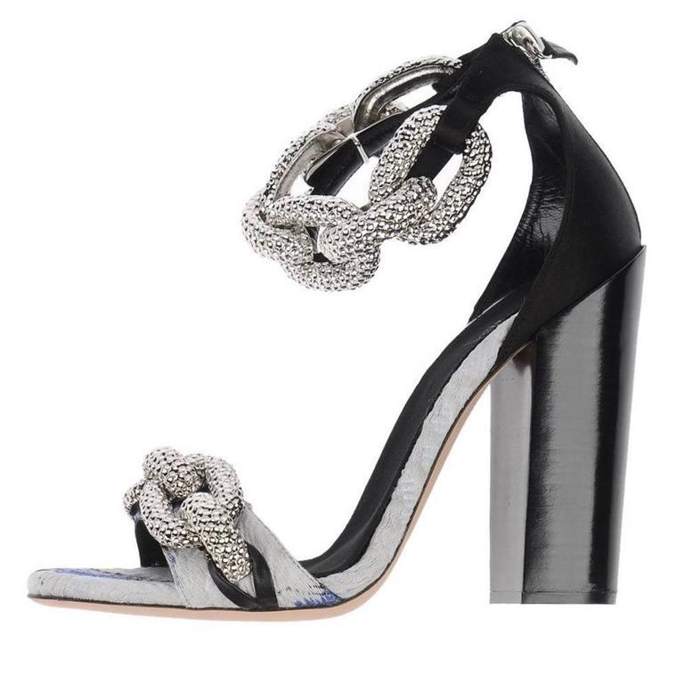 best website 70e4e 7724a Giambattista Valli NEW & SOLD OUT Runway Floral Chain Link Block Heels  Sandals