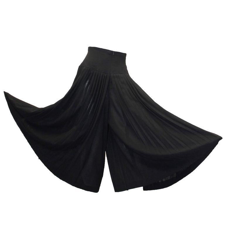 80s Escada Black Knife Pleated Culottes