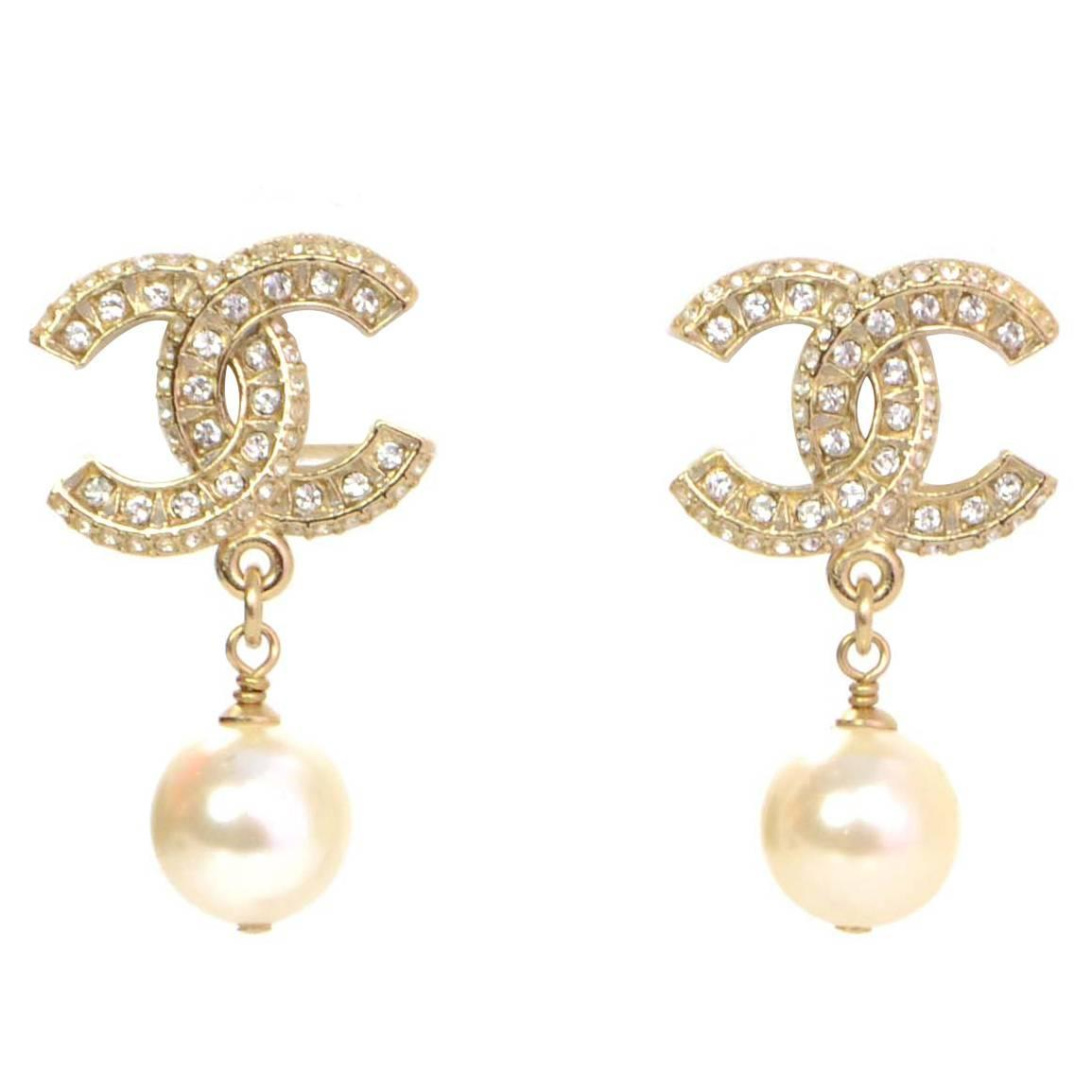 channel jewelry earrings chanel new 16 and pearl cc drop earrings at 1stdibs 8663