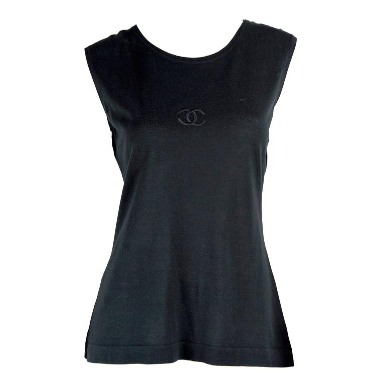 1980s Chanel Boutique Cotton Sleeveless Top with CC front and 4 gold CC Buttons 1
