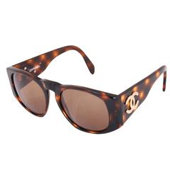 Chanel Tortoise Shell Sunglasses w/CC Logo On Arms