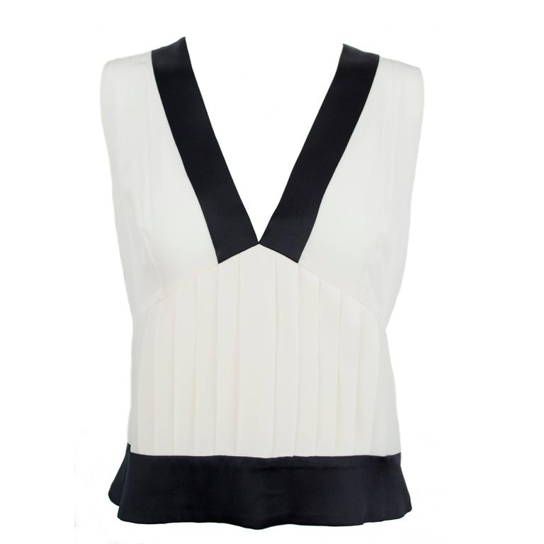 Chanel 2006 Silk Sleeveless Blouse Top 40