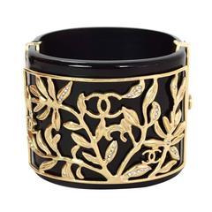 Chanel 2009 Black & Gold CC Leaf Clamper Cuff Bracelet