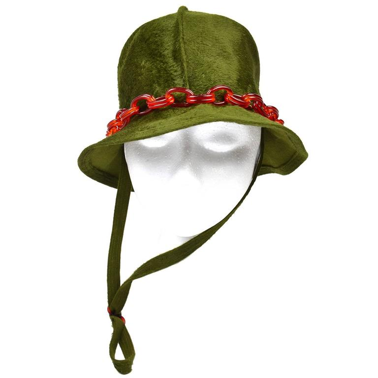 Mr John Jr Trevi Moss Green Hat with Tortoiseshell Lucite Chain, 1970s  For Sale