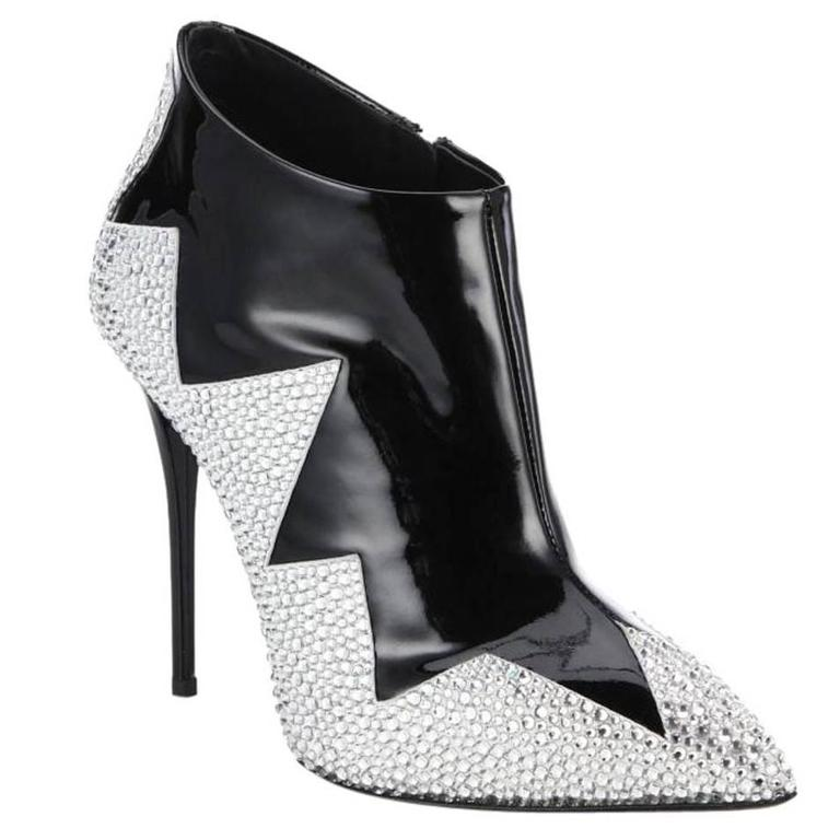 Giuseppe Zanotti NEW Black Patent Leather Crystal Ankle Boots Booties in Box For Sale