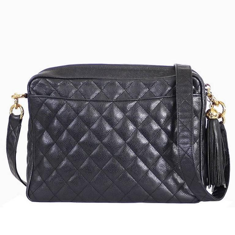 adb4dccf449a0d Vintage Chanel Black Caviar Cross Body Messenger Bag Tasse at 1stdibs