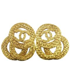 Chanel Vintage Gold Textured Interlocking Circles Charm Dangle Drop Earrings
