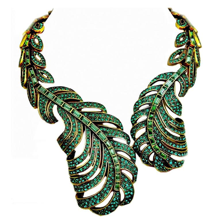 Signed Oscar De La Renta Green Crystal Feather Necklace For Sale