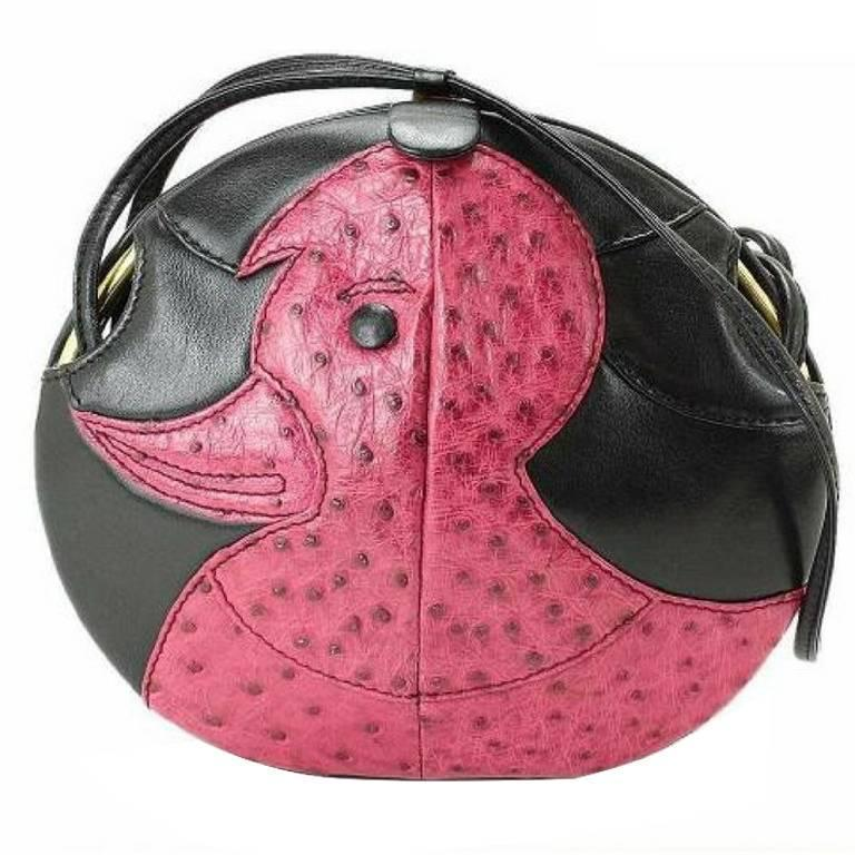 1980s. Vintage BALLY cute duck design black and pink ostrich leather mix bag. For Sale