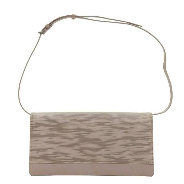 Louis Vuitton Honfleur Lilac Epi Leather Shoulder Clutch Wallet For Sale
