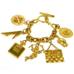Chanel Vintage Gold Link CoCo Chanel Shoe Clover Angel Toggle 2.55 Bracelet