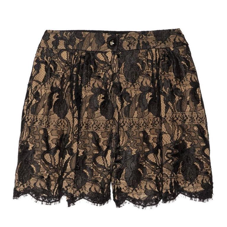 Stunning Emilio Pucci Black & Nude Lace Shorts