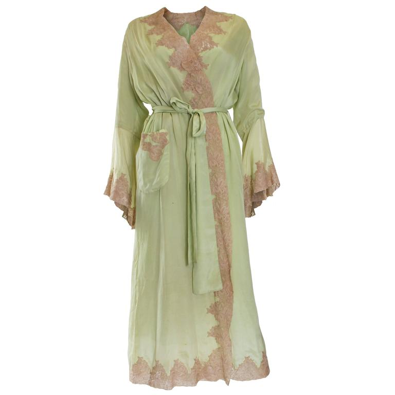 1950s Fine Silk Dressing Gown For Sale at 1stdibs