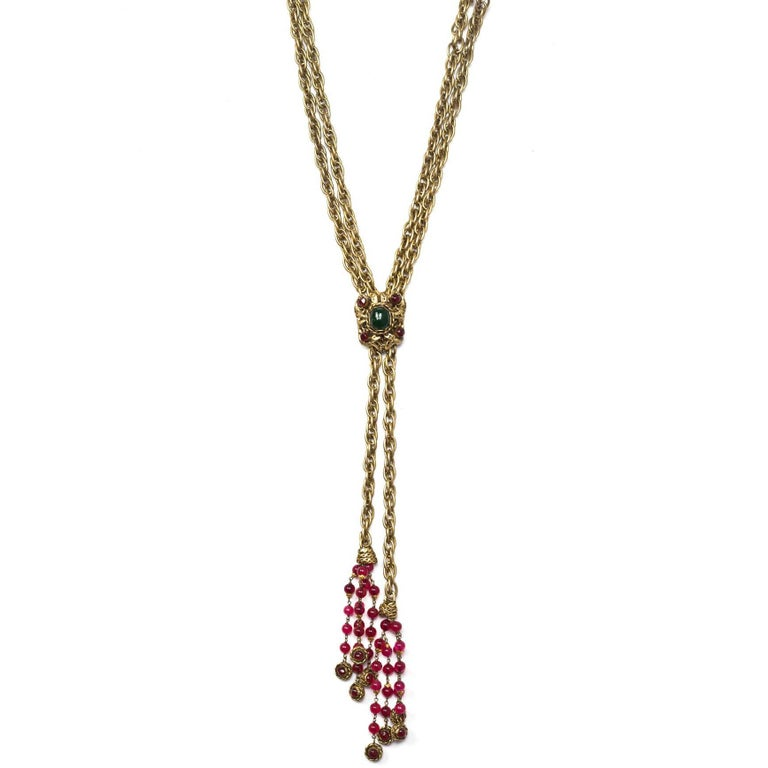 Chanel Vintage '80s RARE COLLECTORS Chain Lariat Necklace With Gripoix Tassel  For Sale