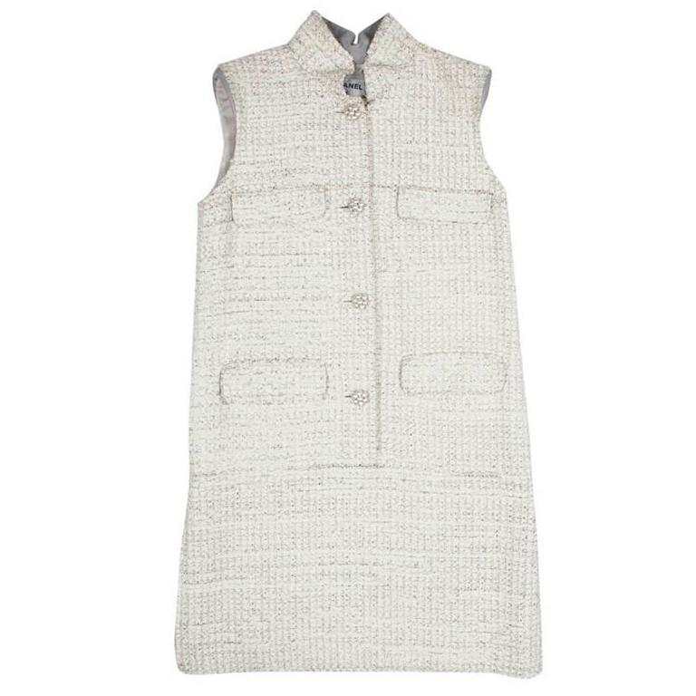 CHANEL Sleeveless Dress T 42FR in Cream Painted Tweed  For Sale