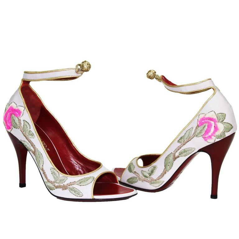 New Tom Ford for Yves Saint Laurent 2004 Collection Embroidered Pumps 36.5-  6.5 For Sale