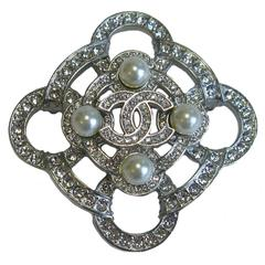 Chanel Silver Tone Metal with Rhinestones and Glass Pearls Brooch