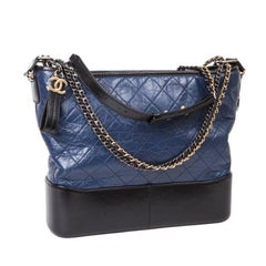 CHANEL Bag 'Hobo' Gabrielle in Bicolor Night Blue and Black Padded Leather