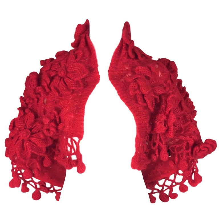 NWT F/W 2003 Gianfranco Ferre Runway Red Crochet Matador Cropped Sweater Shrug