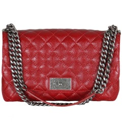 CHANEL Shiny Red Grained Leather Messenger Bag