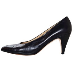 Salvatore Ferragamo Black Leather Pumps Sz 8AA