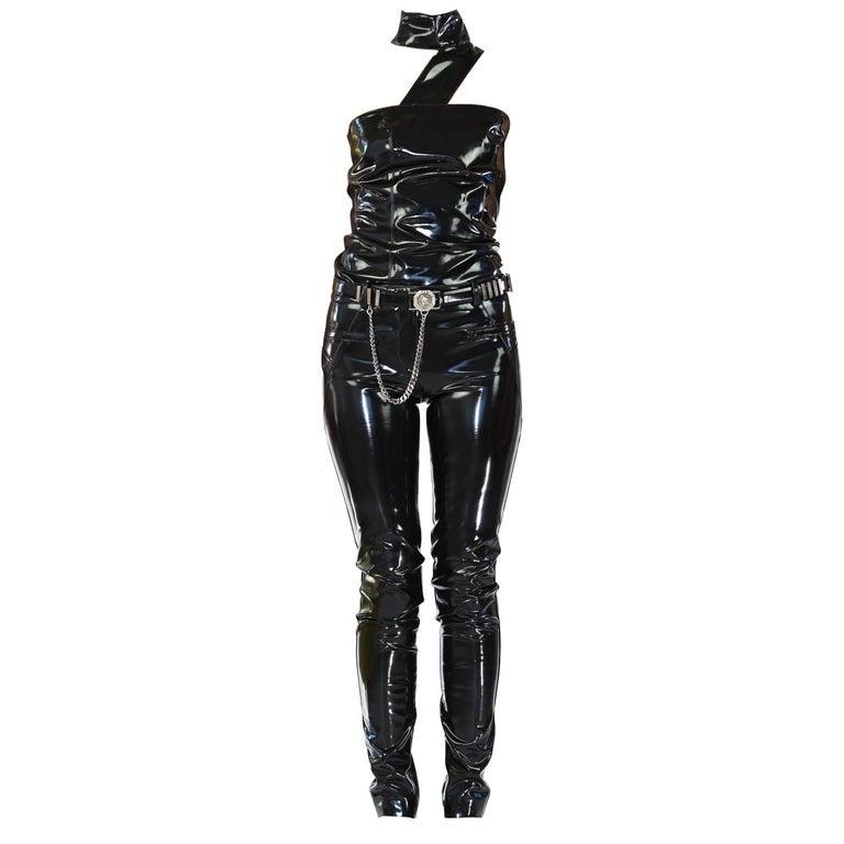 F/W13 LOOK#19 VERSACE BLACK JAPANESE VINYL SLIM PANTS with TOP and MINK FUR BAG
