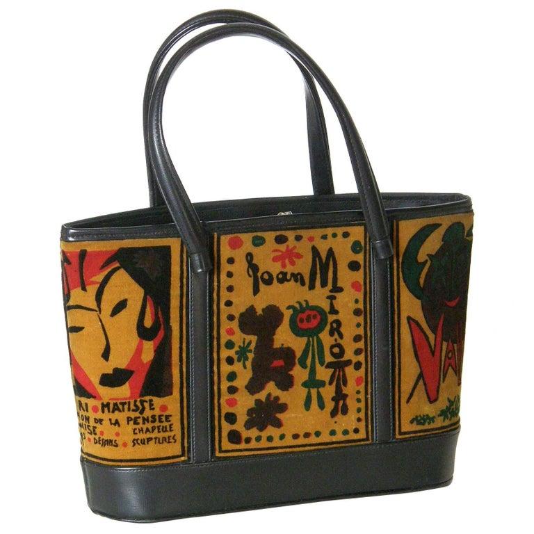 Souré Handbag with Modern Art Themed Printed Velveteen