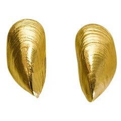 Goossen's Goldtone Mussel Shell Clip-On Earrings