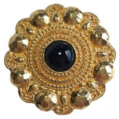 CHANEL Vintage Round Brooch in Gilded Metal