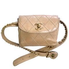 Chanel Vintage beige calfskin waist purse / fanny pack / hip bag with gold CC