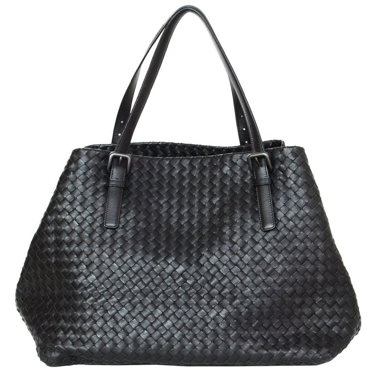 889f20eb3e5 Bottega Veneta Black Woven Intrecciato Leather Large Cesta Tote Bag For Sale