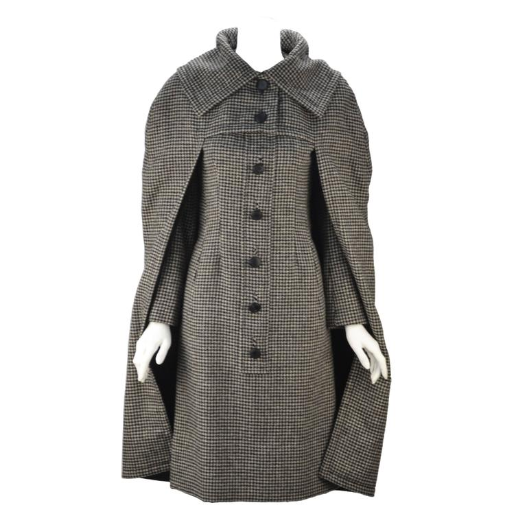 1950s Christian Dior Houndstooth Designer Cape And Dress Set For Sale