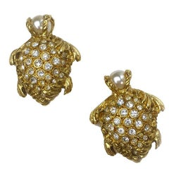 YSL Yves Saint Laurent Turtle Clip-on Earrings in Gilt Metal